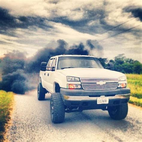Chevy duramax blowing smoke | Trucks | Pinterest | Funny ... Lifted Duramax Diesel Blowing Smoke