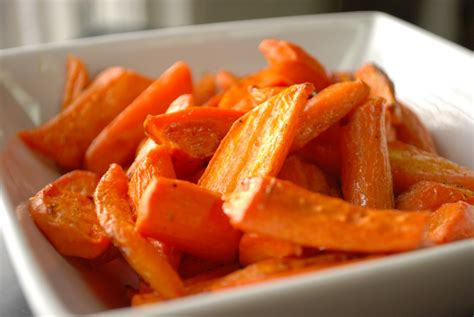 Simply Mangerchine Maple Roasted Carrots