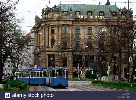 deutsche bank münchen marienplatz hma 87707 tram in front of deutsche bank building