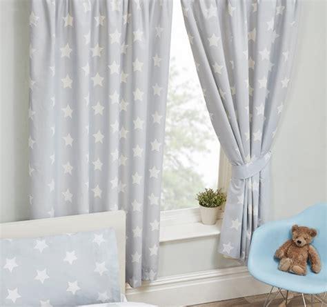 grijs witte gordijnen gordijnen grijs met witte sterren sterretjes 168 cm breed