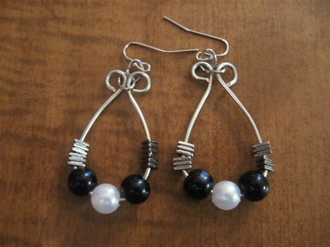 how to make wire jewelry earrings diy beaded hoop wire wrapped earrings make something