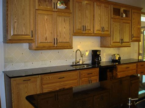 kitchen backsplash ideas with oak cabinets white and red bedding ideas
