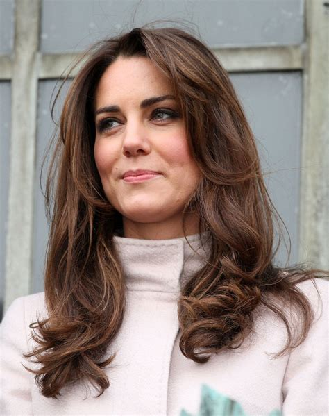 haircuts in cambridge kate middleton s new hair and max mara jacket cambridge