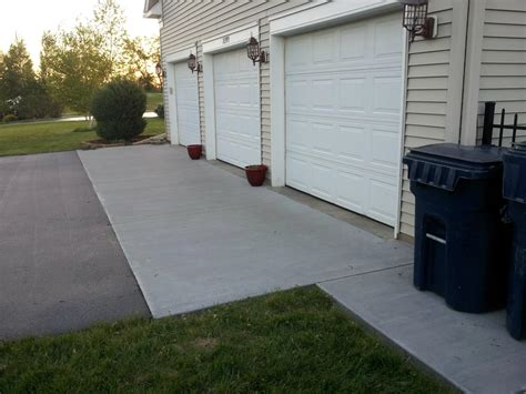 Garage Apron Concrete Patio Chlin Mn Plymouth Maple Grove