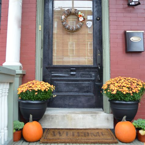 home front decor ideas 22 fall front porch ideas veranda home stories a to z