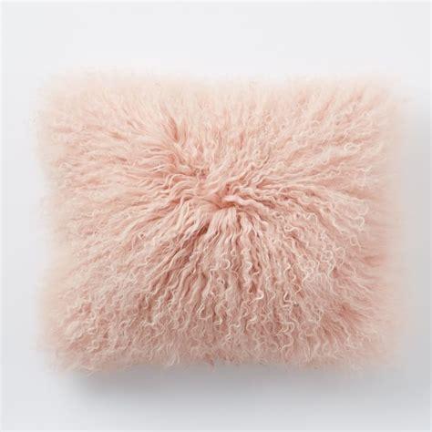 Fluffy Pink Pillow by Best 25 Fluffy Pillows Ideas On