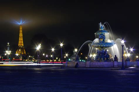 Wonderful Christmas Lights Shop #5: Place-de-la-Concorde-and-Eiffel-Tower-by-night-©-French-Moments.jpg