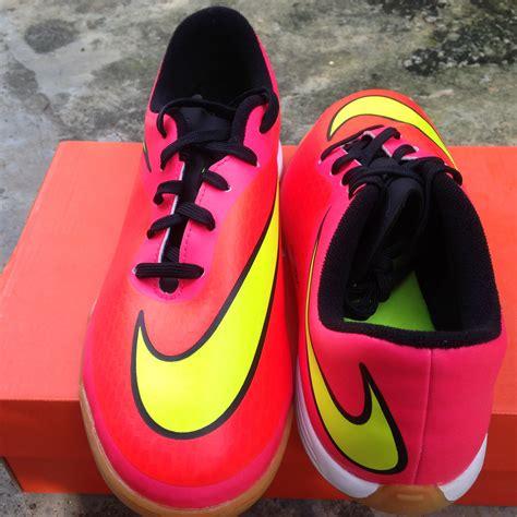 Sepatu Futsal Nike Untuk Anak jual nike hypervenom phade crimson sz 38 sepatu futsal