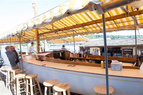 boat house happy hour dining guide 5 places for happy hour on a boat mainetoday