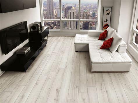 pavimenti piastrelle finto legno piastrelle finto legno bricola di ceramica rondine