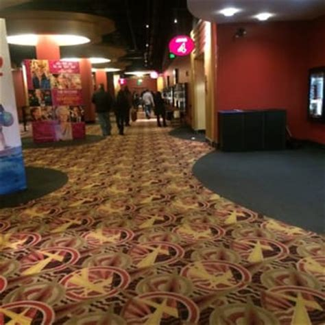 Amc Theaters Garden State Plaza by Amc Garden State 16 74 Photos 173 Reviews Cinema 1