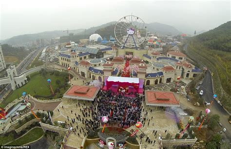 list theme parks china first international hello kitty park opens in china