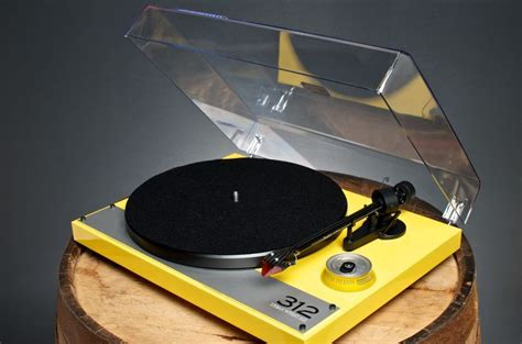 diy pro ject debut carbon turntable with mango plinth echo audio teamed up with goose island brewery to produce