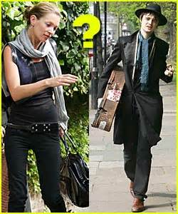 Lepaparazzi News Update Moss And Doherty Check Into Rehab Together kate moss and pete doherty check into rehab