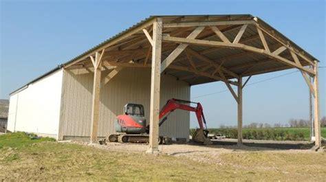 charpente hangar bois votre hangar agricole par un sp 233 cialiste du batiment bois
