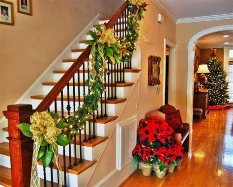 ideas para decorar ventanas exteriores en navidad ideas para decorar escaleras en navidad 22 decoracion de