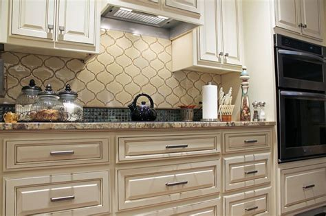 traditional kitchen ideas white cabinets arabesque