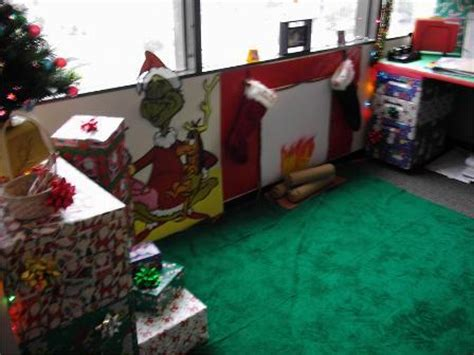 welcome to whoville and outside decorations on the gallery for gt whoville office decorations