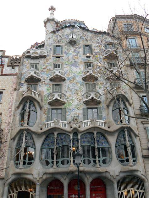 Maravillosa  Casa Con Estilo Barcelona #7: 1200px-Gaud%C3%AD_-_Casa_Batll%C3%B3.jpg