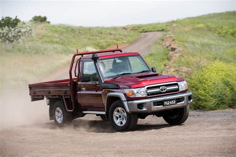 Types Of Toyota Land Cruiser Toyota Brings The 70 Series Land Cruiser Up To Date