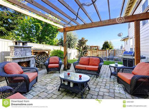jardin avec le secteur et la chemin 233 e de patio photo stock