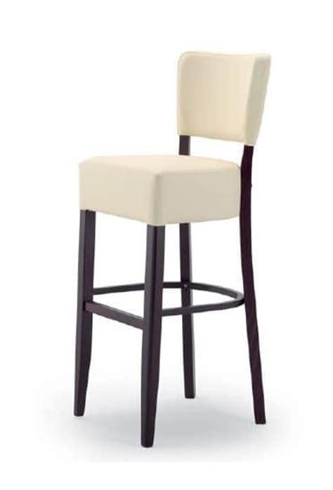 sgabelli imbottiti con schienale sgabello in legno con seduta e schienale imbottiti idfdesign