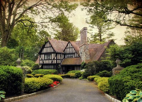 tudor house insurance 1000 images about maisons on pinterest queen anne house and mansions