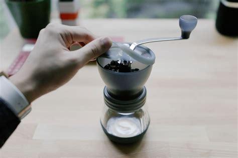 alat kopi pertama   dimiliki penggiling kopi majalah otten coffee