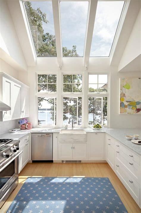 cuisiner les l馮umineuses une fen 234 tre de toit pour cuisiner avec la lumi 232 re du jour