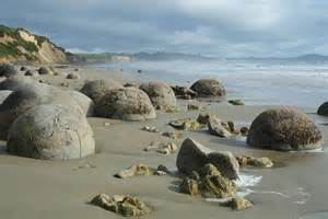 Moeraki boulders the way of the geophysicist