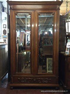 mobili stile antico prezzi oltre 1000 idee su armadio antico su armadi