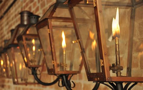 new orleans gas lights bevolo gas electric lights vie magazine