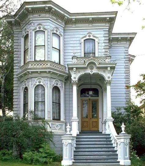 victorian house windows best 20 victorian houses ideas on pinterest