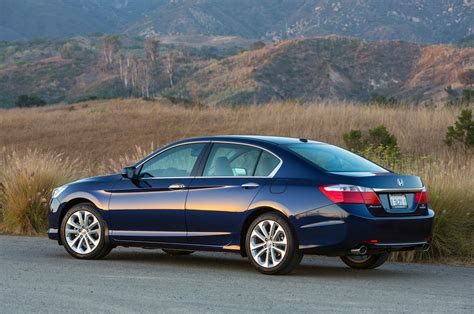 honda 2013 accord 2013 honda accord reviews and rating motor trend