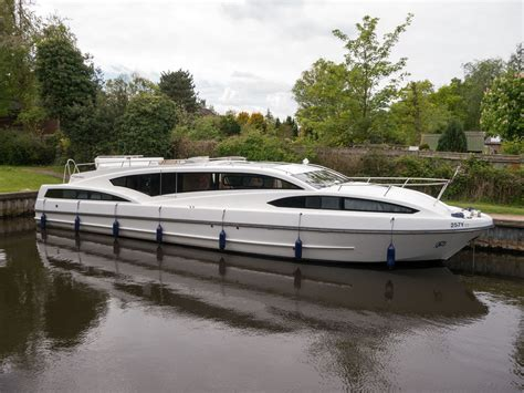 a and s boats commodore richardson s boating holidays