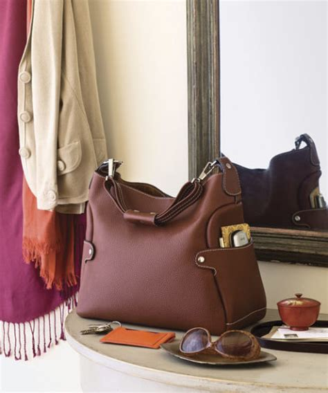 Lighten Up Your Place And Your Wallet With A Glo by Organizing Your Purse How To Organize Your Handbag