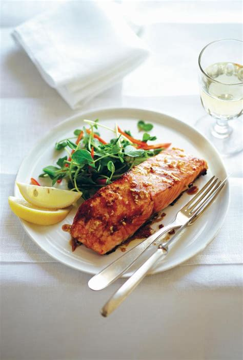 75g carbohydrates honey vanilla glazed salmon with pepper vanilla