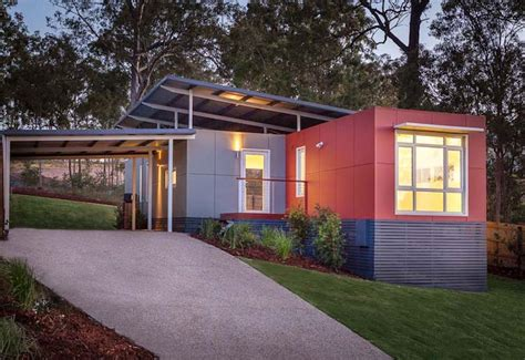 shipping container homes the complete guide to shipping container homes tiny houses and container home plans books modern shipping container homes are unique eco friendly