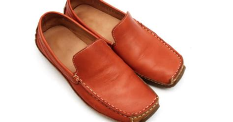 how to remove water stains from leather shoes ehow uk