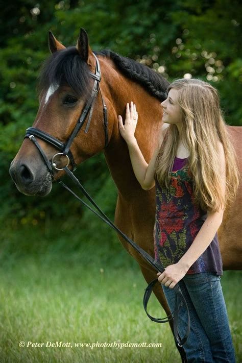 horse outside pin by katie maurer on senior picture ideas pinterest