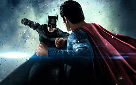 Batman Vs Superman Fight B M000104 Iphone 5 5s Se Casing Cus cool superman wallpapers 68 images