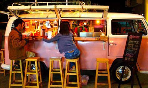 furgone figli dei fiori kombi addio in pensione il pulmino volkswagen degli hippy
