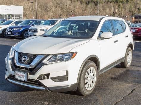 nissan rogue sport 2017 white glacier white 2017 nissan rogue s with 2354 4d