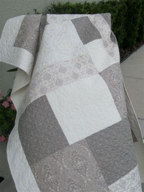 Grey Quilt by 17 Best Ideas About Grey Quilt On Quilt