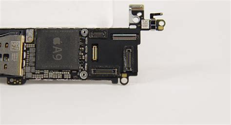 Lcd Dan Layar Sentuh Iphone 5 saat dibongkar iphone se usung komponen serupa iphone 5s