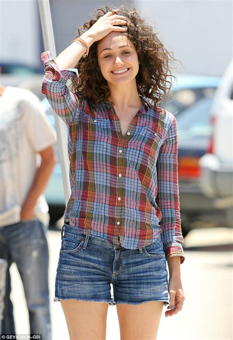 emmy rossum new haircut emmy rossum revisits the eighties with corkscrew curls on