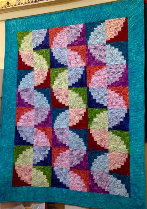 Log Cabin Patchwork Quilt Patterns - 17 best images about curvy log cabin on quilt
