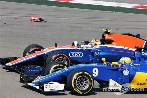 Kaos Manor Racing Haryanto F1 start crash with ericsson sauber c35 haryanto
