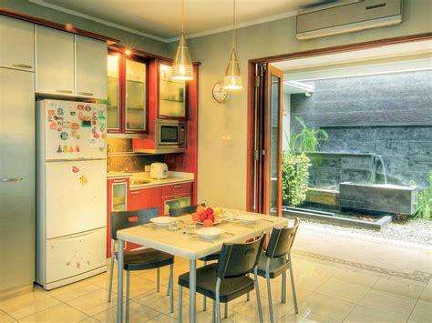 design dapur minimalis menghadap taman desain dapur dan ruang makan terbuka untuk kolega dan