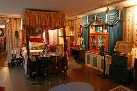 Inside Decor And Design saki s world early american bedroom early american